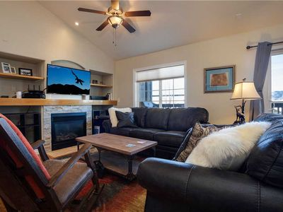 Photo for Fantastic Summer Rates - Cozy, Bright, and Spacious Condo