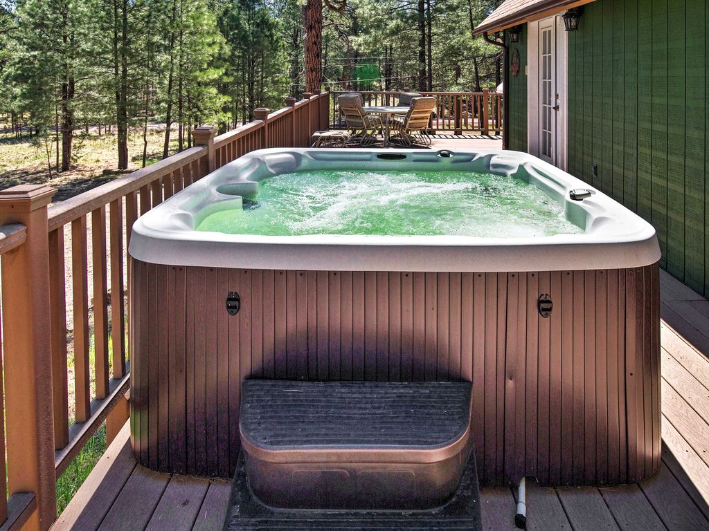 3br happy jack cabin w hot tub fire pit happy jack for Az cabin rentals with hot tub