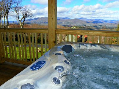 Lower deck with 4 person hot tub