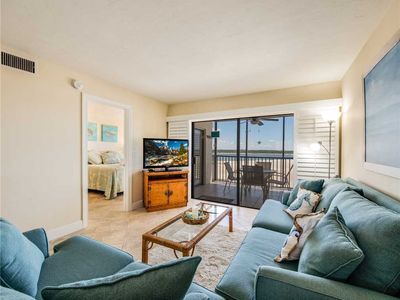 Photo for Carlos Pointe 422, Heated Pool, 2 Bedrooms, Gulf Front, Elevator, Sleeps 6
