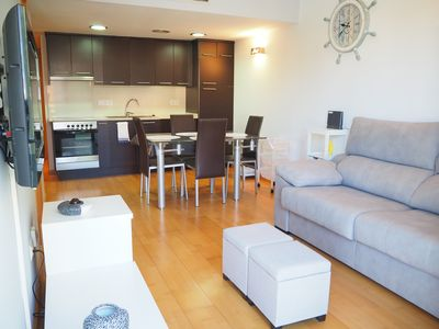 Photo for Modern apartment with parking in Palamós, near the beach