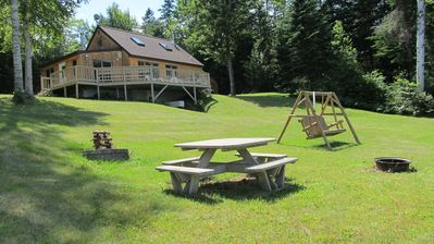 Secluded & quiet Akers Pond get away, fabulous mountain views.