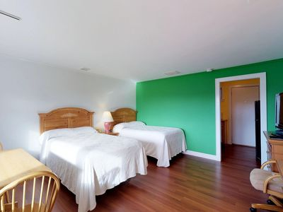Photo for Dog-friendly studio condo w/ shared pool & tennis - close to beaches and golf!
