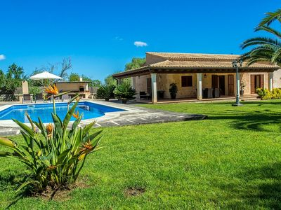 Photo for Well maintained country house in wooded area with a lawn and a nice pool