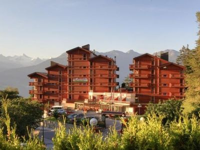 Photo for Apartment Appart-Hotel Helvetia Intergolf in Crans-Montana - 6 persons, 2 bedrooms