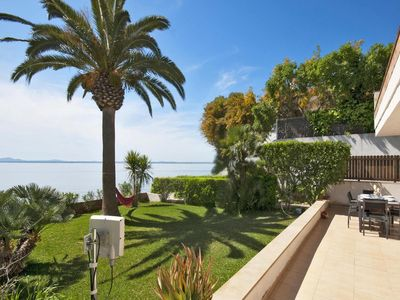 Photo for Holiday apartment for 6 persons with garden by the sea.