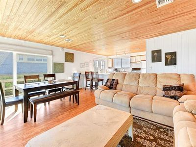 Photo for Harmony Beach House, 3 Bedrooms, Sleeps 6, Ocean Front, Large Deck