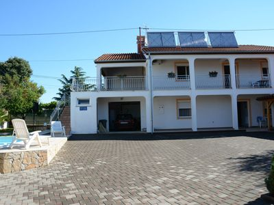 Photo for Beautiful house with pool and courtyard in a quiet location at Porec