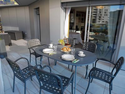 Photo for Large apartment Port Marianne with terrace and private parking, free Wifi