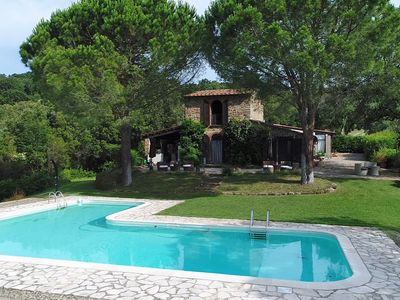 Photo for Fantastic Tuscan villa in a secluded location with pool and outdoor kitchen, close to the sea