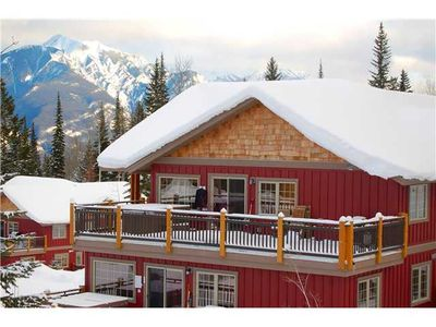 Photo for Ski to the door Top Floor Aspen Townhouse