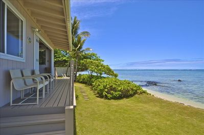 PARADISE has folding doors that make the Pacific Ocean your front yard...