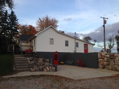 Photo for Cozy retreat house - sleeps 8! Two doors down from the beautiful RaOna Acres!