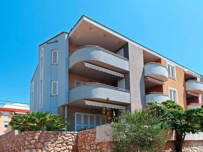 Photo for Apartment im Haus Iva, Stara Novalja  in Pag - 6 persons, 3 bedrooms