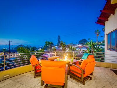 LUXURY SPA HOME--CHEFS KITCHEN, ROOFTOP JACUZZI SPA, SWEEPING OCEAN VIEWS