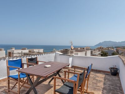 Photo for Light-Flooded Apartment by the Sea with Rooftop Terrace, Balcony & Wi-Fi