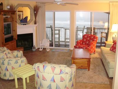 Very comfortable family room with great gulf views - walk off balcony to beach