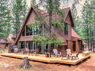 Photo for Sunny dog-friendly cabin w/ private hot tub, SHARC access & entertainment!