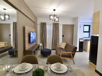 Photo for Spacious Resort-Type  2 bedroom w/ parking near Airport - 15 mins away