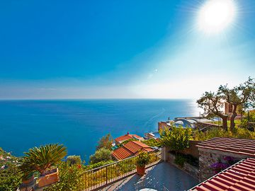 Search 3,880 holiday lettings
