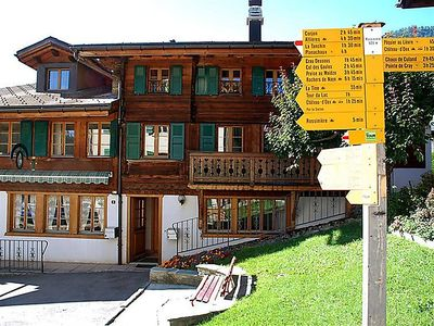 Photo for Apartment Tambour 8  in Rossinière, Alpes Vaudoises - 6 persons, 2 bedrooms