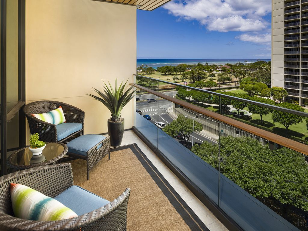 Stay in Luxury at this One Bedroom Condo at Park Lane, Ala Moana ...