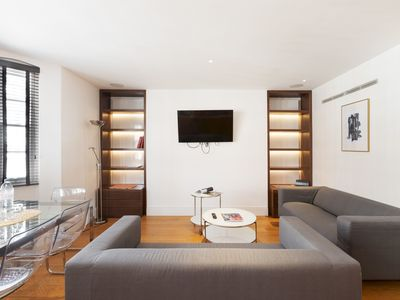 Photo for Elegant 3 BR Apartment + Terrace near Oxford St