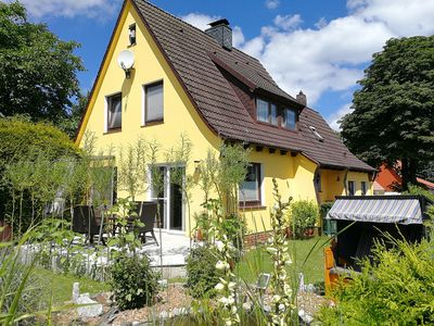 Photo for nice alternative to the tourist stronghold: Fehaus f Fam + dog + garden + lake + fireplace