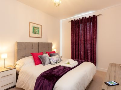 Photo for BELFRY QUARTERS LUXURY SERVICED APARTMENT SLEEPS UP TO 4 IN REDHILL SURREY