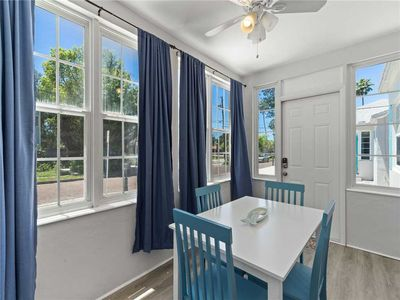 Cheery Florida Sunshine – From your Gulfport Getaway 5431 dining table you'll have a host of windows inviting in the beautiful Florida sunshine.