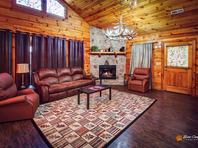 2BR Cabin Vacation Rental in Sevierville, Tennessee #297403