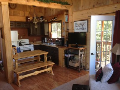 Photo for Comfortable Family Cabin in Perfect Location.