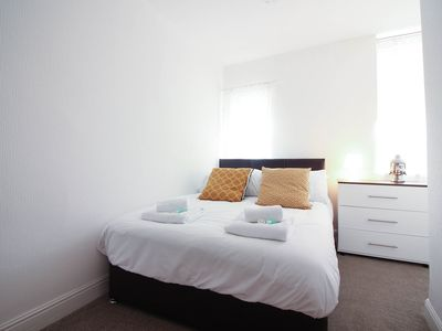 Photo for Diamond - Highbury Villas - Byron Apartment - Nottingham