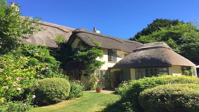 Photo for 300 year old Beautiful 6 bed New Forest Thatched Cottage with Games room