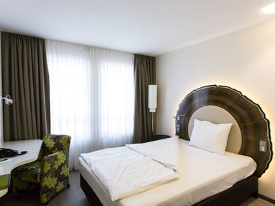 Photo for Business Single Room - TAOme - Feng Shui Stadhotel Breisgau