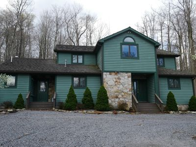 Photo for Deer Run - Beautiful decorated! Short walk to swimming and fishing pond!