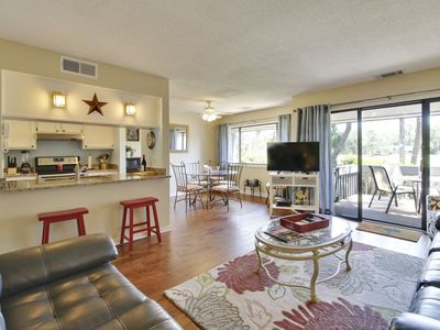 Photo for 3 bedrooms, and 2 bathrooms, Palmetto Dunes townhouse in the Turnberry Village complex with Golf vie