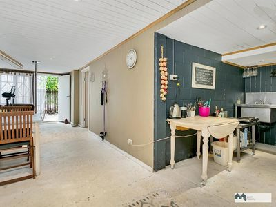 Photo for Dog Friendly Flat less than a minutes' walk to the beach