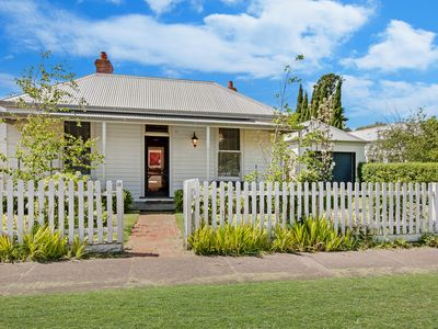 Photo for KINSALE COTTAGE  - Port Fairy, VIC