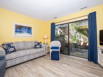 Photo for Cozy, Family Friendly,Oriented, close to Coligny Plaza, short walk to beach