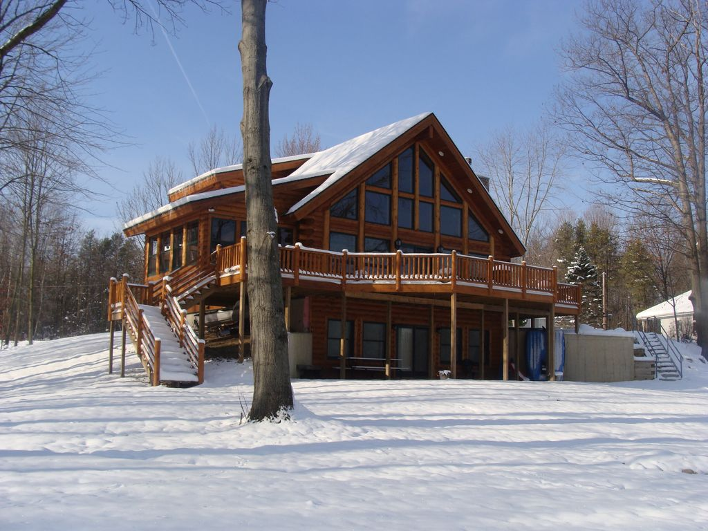 Gorgeous log cabin perfect for families and weekend for Perfect cabin