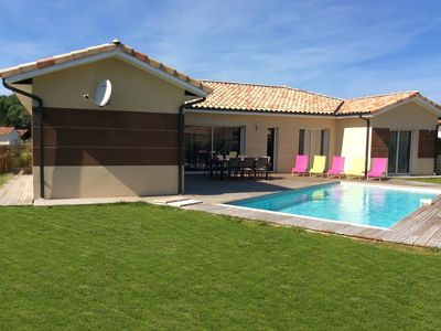 Photo for Beautiful villa with pool 4 bedrooms 2 km from the ocean in Moliets et Maa