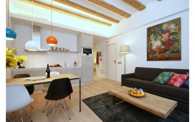 Photo for Just off La Rambla and opposite the Plaza Real, this apartment is an ideal Barcelona stay!