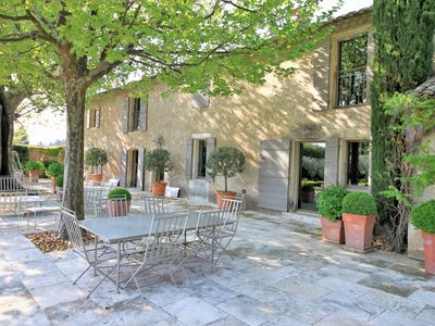 Photo for Mas in St-Rémy-de-Provence, 5 bedrooms, heated pool