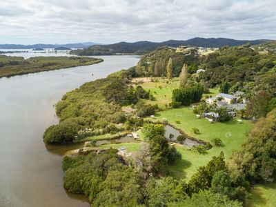 Photo for Secluded Waterfront Lodge, on the Waitangi River