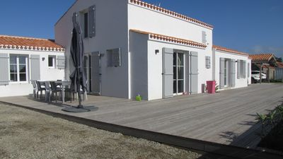 Photo for House 16 persons 300m from the beach to the old Noirmoutier