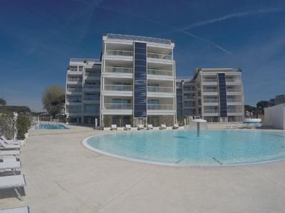 Photo for Resort with 2 bedrooms just a few meters from the beach