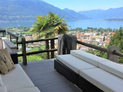 Photo for Exceptional holiday home with mezzanine rooms, terrace and view of the lake
