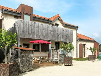 Photo for One bedroom Apartment, sleeps 2 in Bretignolles-sur-Mer with Pool and WiFi