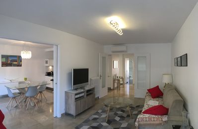 Photo for Superb 3 rooms Parking heart of Antibes 5 minutes from the beaches of the old